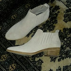 Dolce Vita suede booties